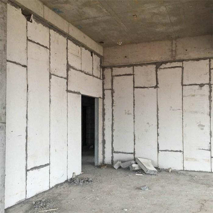 轻质隔墙板中使用的硅酸钙板对环境的改变