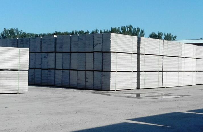 年生产复合实心节能墙材50万平方米